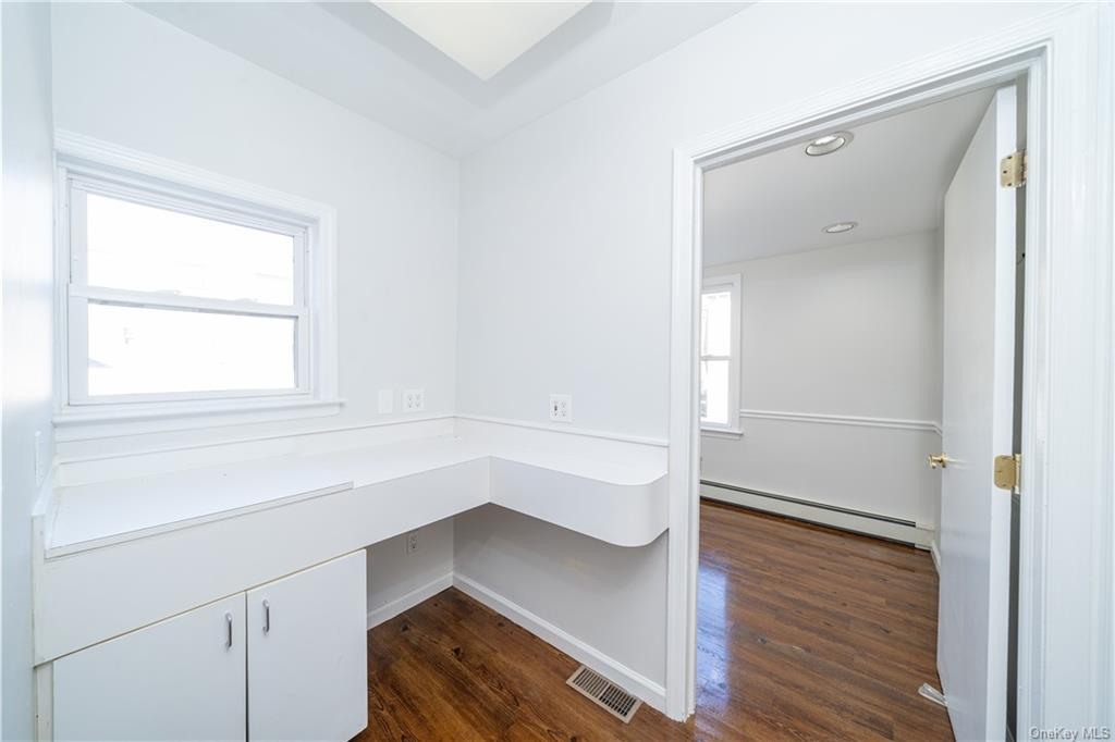 Commercial Lease Hering Avenue  Bronx, NY 10461, MLS-H6086695-9