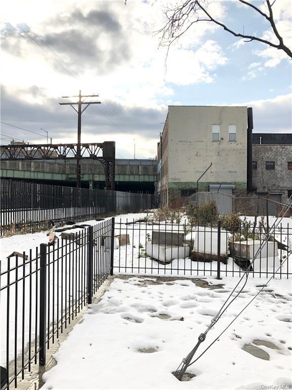 Land Van Buren Street  Bronx, NY 10460, MLS-H6087960-2