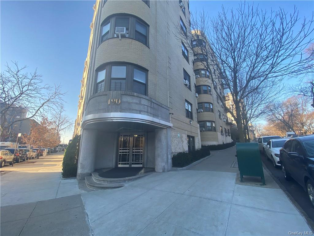 Commercial Lease Monshulu Parkway  Bronx, NY 10458, MLS-H6089498-2