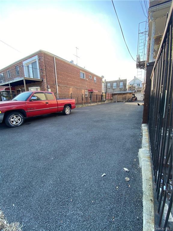 Land Virginia Avenue  Bronx, NY 10472, MLS-H6090403-3