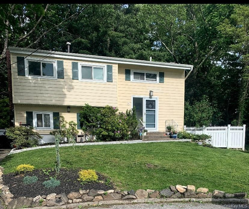 Priced to Sell ! LOCATION! ARDSLEY SCHOOLS (walking distance to the high school)! MOVE IN READY! CUL DE SAC ! This house has it all. The open floor plan on the main level highlights the stunning custom kitchen. Kitchen features include: built in Miele Coffee System, built in banquet seating, granite countertops, custom cabinets and high end stainless steel appliances. Walk out of the family friendly main level to the recently added blue stone patio and enjoy the impeccably maintained landscaping in your level fenced in yard. Upstairs you will find two renovated full baths, brand new California closets in the master and 3 additional bedrooms with wood flooring throughout . Other features: Roof (2013)  hot water heater (2018) and blue stone front walkway(2020). TAXES DO NOT REFLECT STAR REDUCTION Agent/Owner.