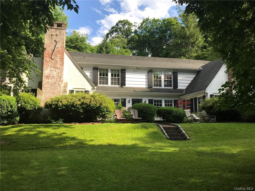 Property for sale at 8 Gracemere, Greenburgh,  New York 10591