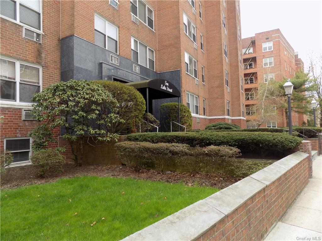 Don't miss great opportunity to own a Condo in well maintained building in the heart of downtown White Plains.  Convenient and close to everything!  This spacious and very sunny studio has L-shaped alcove and parquet wood flooring.  Assigned outdoor parking space ($36.63/mo.).   Laundry on every floor!  Pet friendly building.    Low common charges and taxes.  Close proximity to lovely serene park, Metro North RR, Shopping, Dining, City Center, Westchester Mall, Nightlife.   Centrally located near major highways.