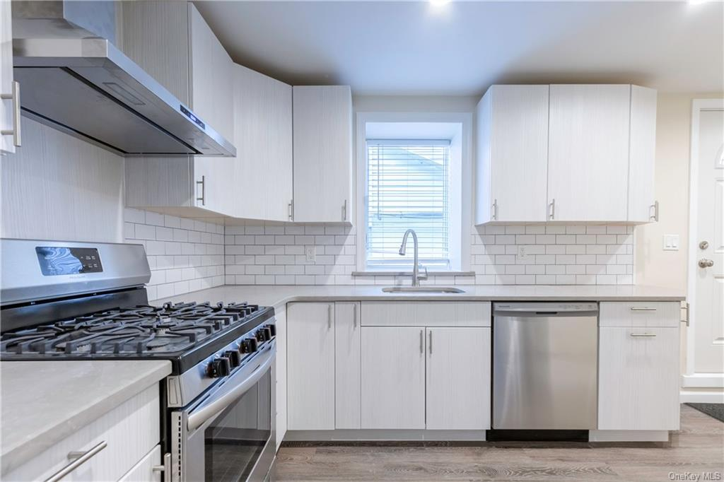 Newly renovated 1 bedroom in the heart of Country Club. This apartment features an updated kitchen and bath, stainless steel appliances,    PRIVATE WASHER/DRYER IN THE UNIT, and radiant heat. Heat is included in the rent. All prospective tenants must fill out an application and undergo credit check (Fico score of 700 or better required), employment and financial verification. This apartment will not last, fill out an application today.