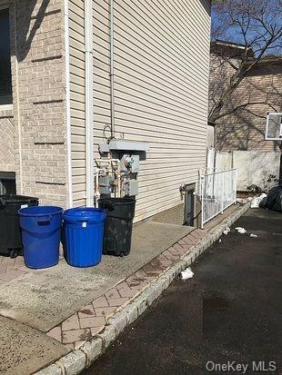Single Family Junction Court  Staten Island, NY 10306, MLS-H6094483-20