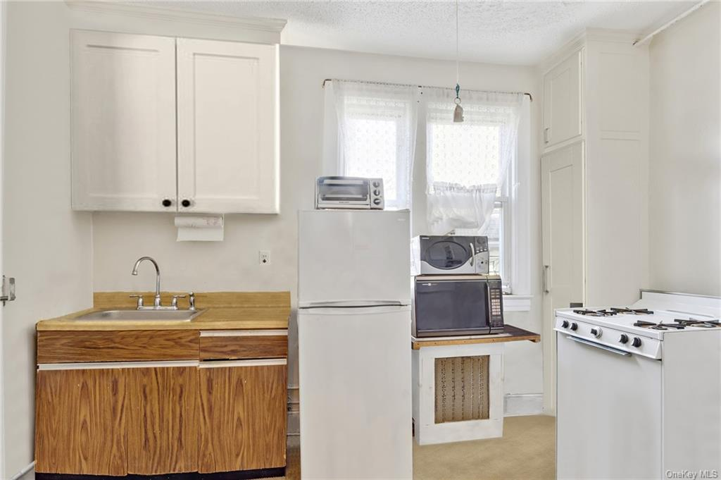 6 Family Building Ludlow Street  Westchester, NY 10705, MLS-H6096346-6