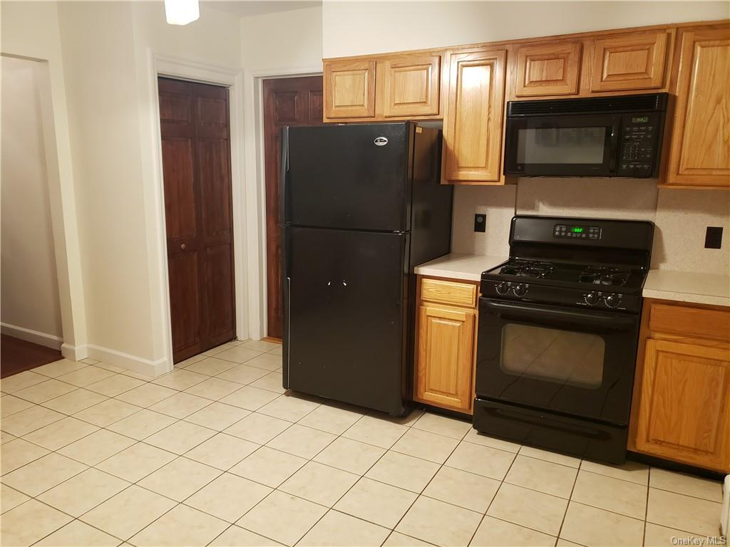 Great condition two bedroom located in the heart of Eastchester. This 2 bedroom features hardwood floors throughout, an eat in kitchen, access to the yard for entertaining guests, and is only a 7 minute walk to the Crestwood Metro North Station. This apartment will not last. All applicants must have FICO score of 700 or better and provide proof of employment.