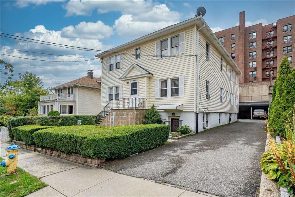 2 Amherst 2, White Plains, NY 10601