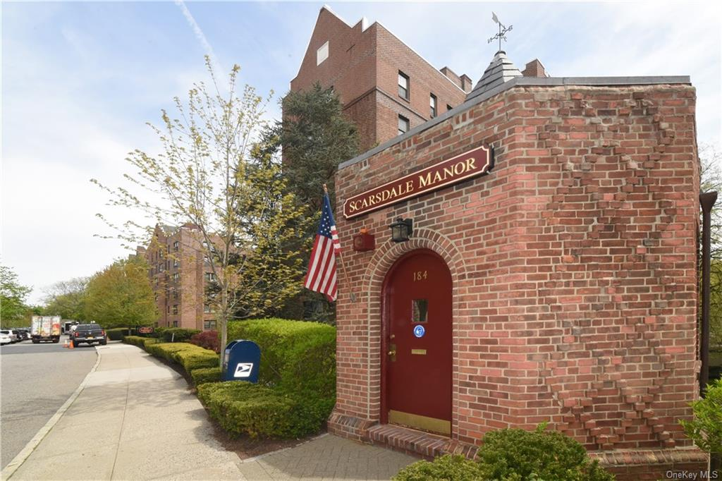 Welcome to Scarsdale Manor, an impeccably maintained Cooperative Complex.