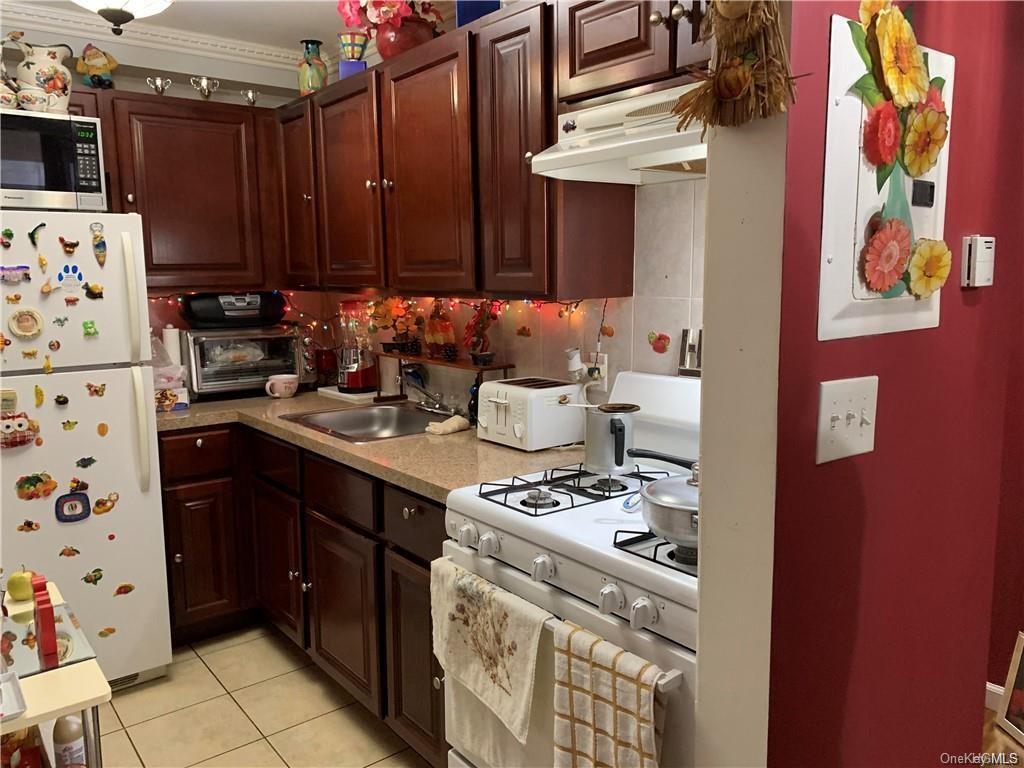 8 Family Building Holland Avenue  Bronx, NY 10467, MLS-H6102489-12