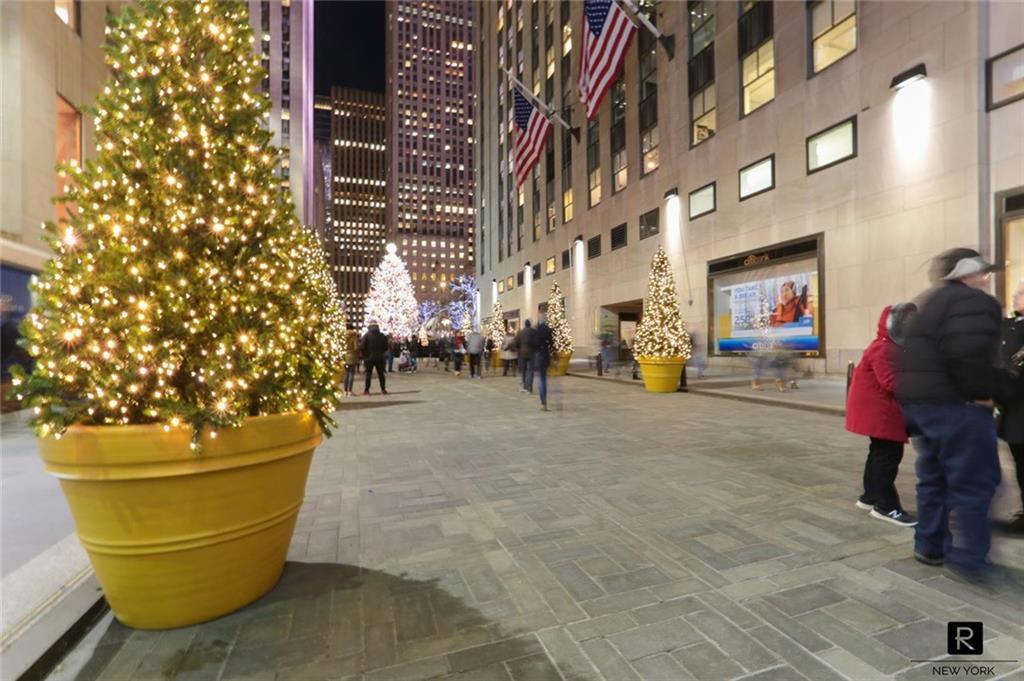 18 W 48th Street Midtown West New York NY 10036