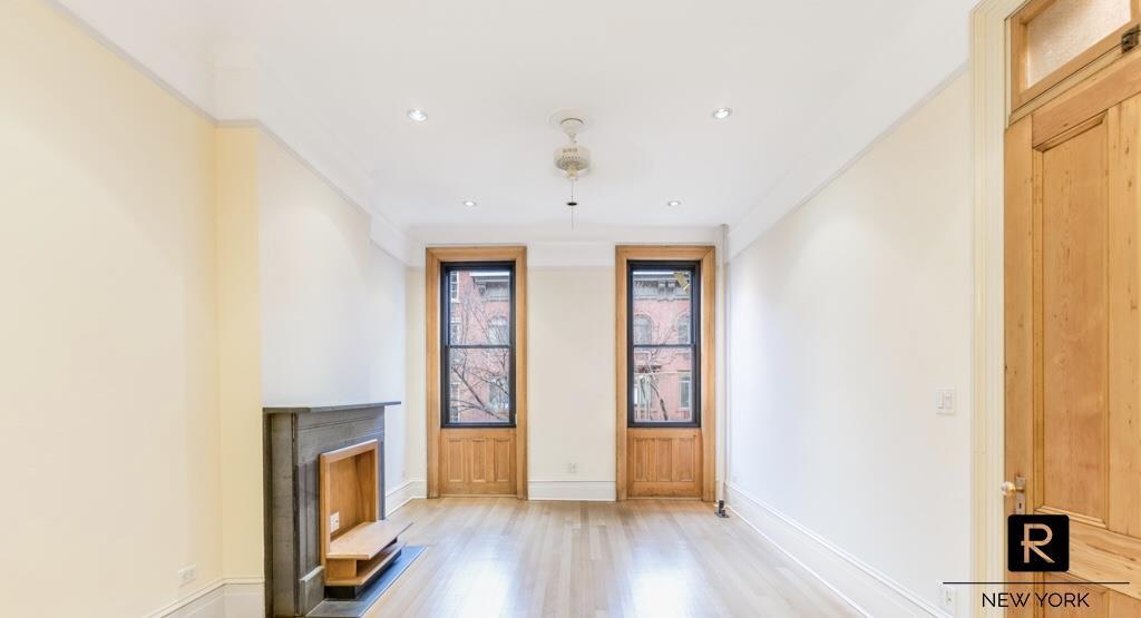 231 W 21st Street Chelsea New York NY 10011