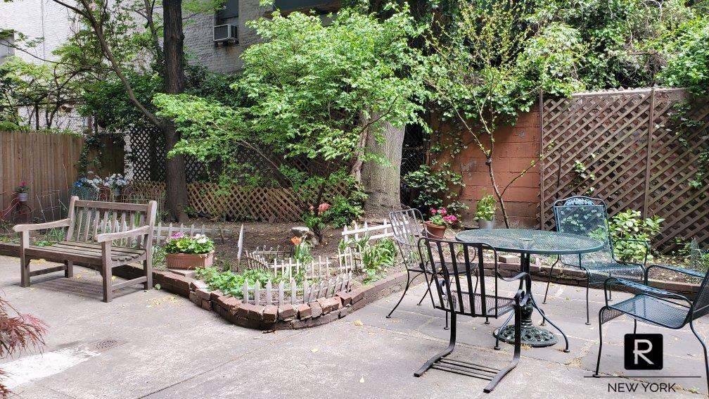 143 Sullivan Street New York NY 10012