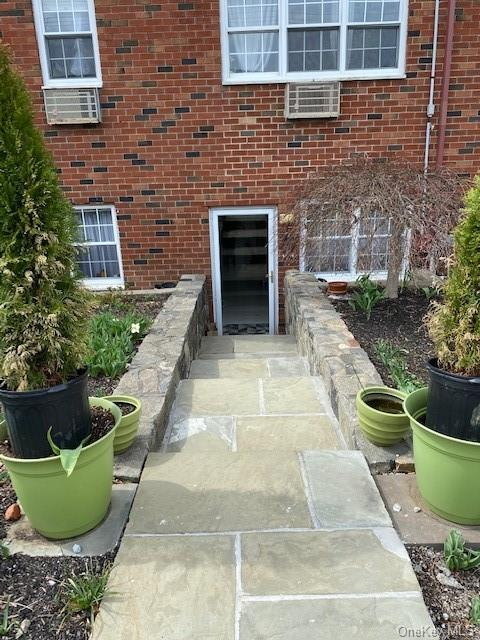 AOGrace Church Gardens offers this mint condition 3 bedroom, 2 bath co-op. New Kitchen,Dining Rm,Living Rm.,Hall Bath,Master bed-Bath,Bedroom,Bedroom. Street level, easy access,no stairs,parking,near Rye border. Easy to show,