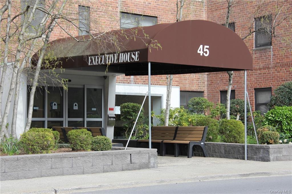 45 E Hartsdale Avenue 4J