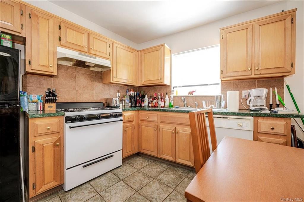 6 Family Building Barnes Avenue  Bronx, NY 10462, MLS-H6111563-8