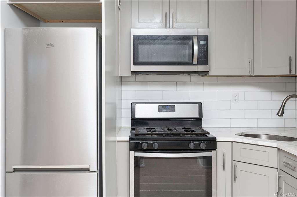Rare opportunity to rent at Wykagyl Gardens. This newly renovated studio apartment is situated on the east side of the property in a tranquil setting. Apartment comes with unassigned parking, on site laundry, and a newly updated kitchen and bathroom. This apartment will not last in todays market.