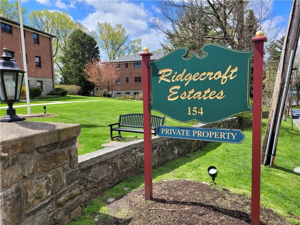 Welcome to Ridgecroft Estates... close to all Tarrytown has to offer...