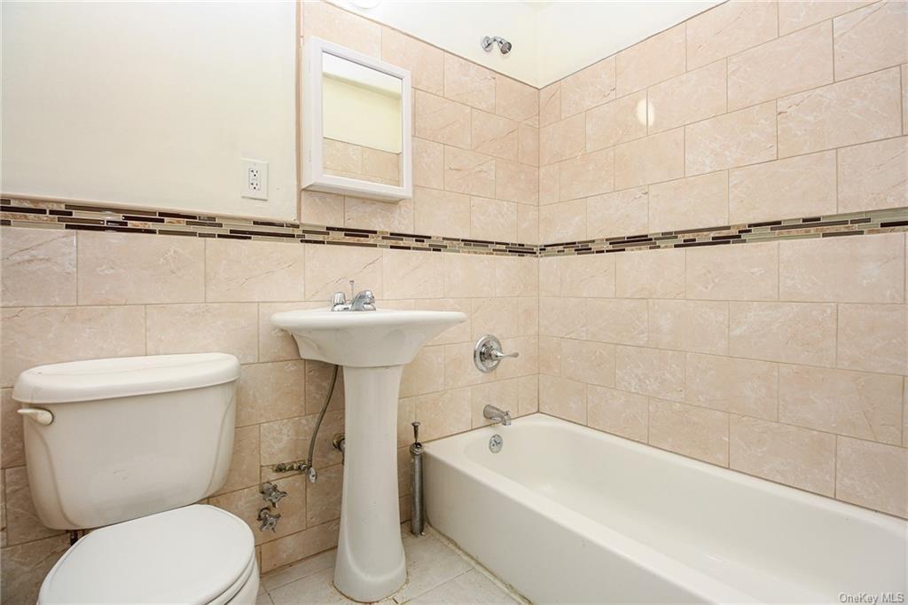 Residential Lease 122 Street  Manhattan, NY 10027, MLS-H6113710-7
