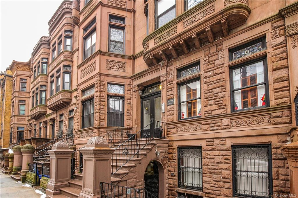 Residential Lease in New York - 122 Street  Manhattan, NY 10027