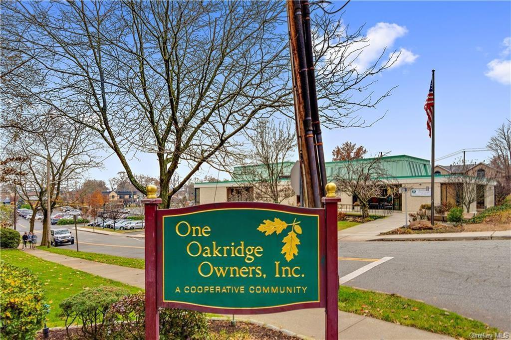 One Oakridge Place 3H
