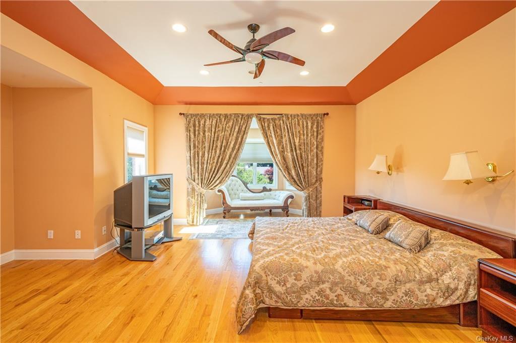 Single Family Vandalay Court  Westchester, NY 10583, MLS-H6119541-23