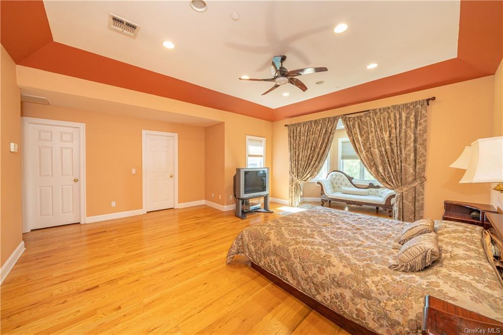 Single Family Vandalay Court  Westchester, NY 10583, MLS-H6119541-24