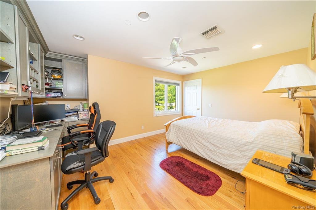 Single Family Vandalay Court  Westchester, NY 10583, MLS-H6119541-29