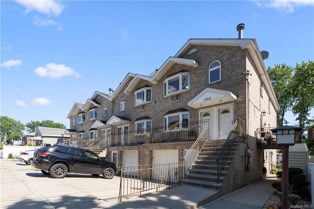 3186 Baisley Avenue