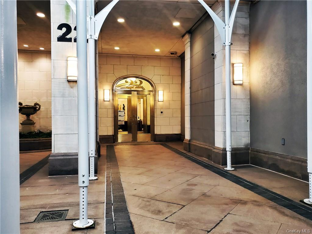 Residential Lease in New York - 66th Street  Manhattan, NY 10023