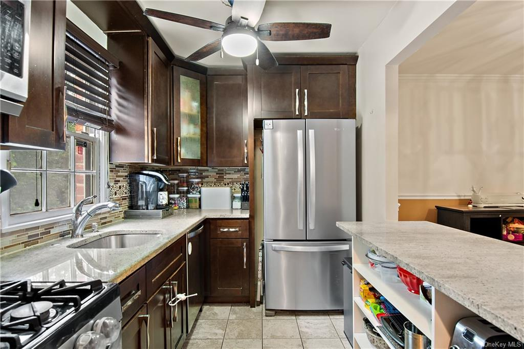 Large and functional kitchen.