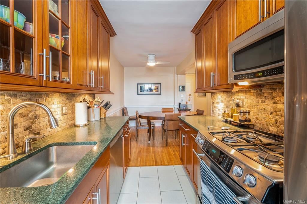3210 Arlington Avenue 6D, BRONX, NY 10463