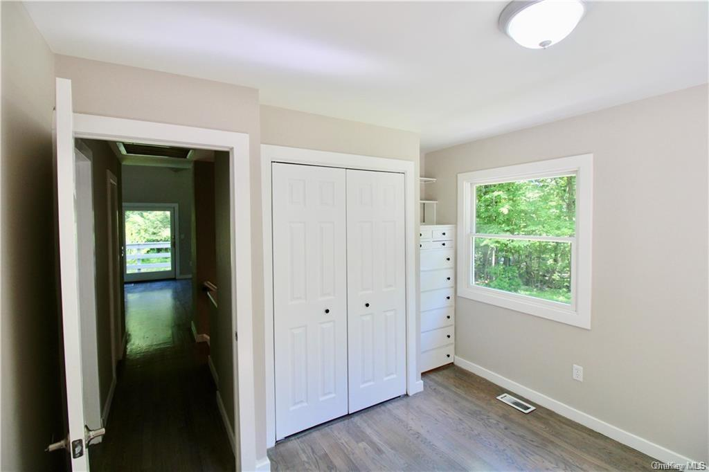 34 Glenford Wittenberg Road Out of NYC Hurley NY 12433