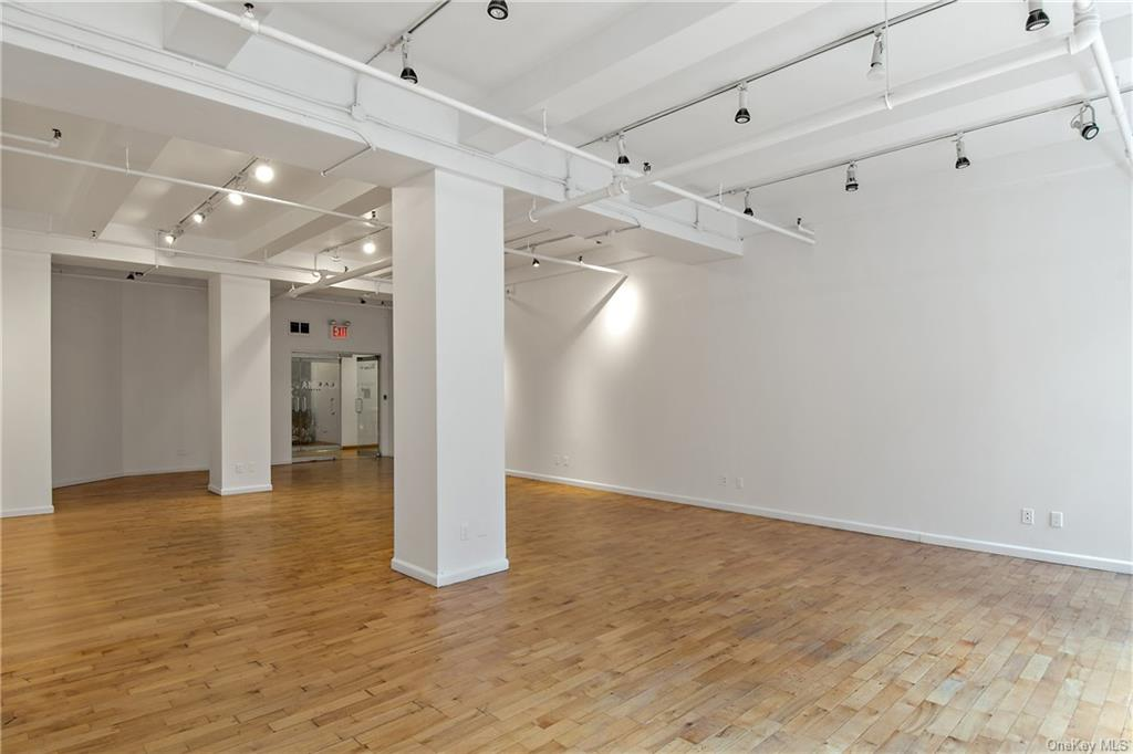 Commercial Lease 37th Street  Manhattan, NY 10018, MLS-H6137865-4