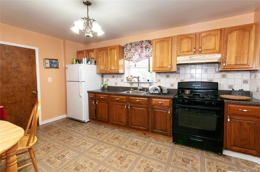 5 Family Building Warburton Avenue  Westchester, NY 10701, MLS-H6140294-6