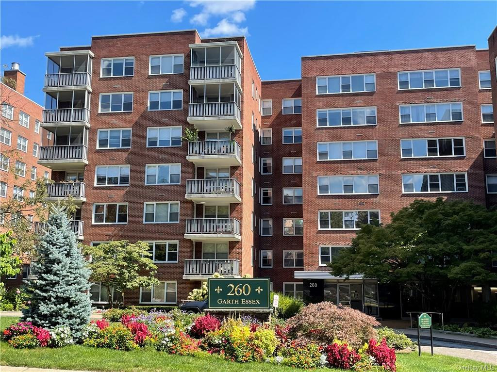 Welcome Home to 260 Garth Road, a Beautifully Maintained Building in a Convenient Location