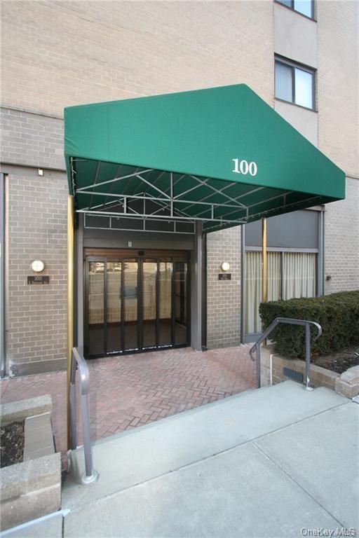 100 Hartsdale Avenue 2BW