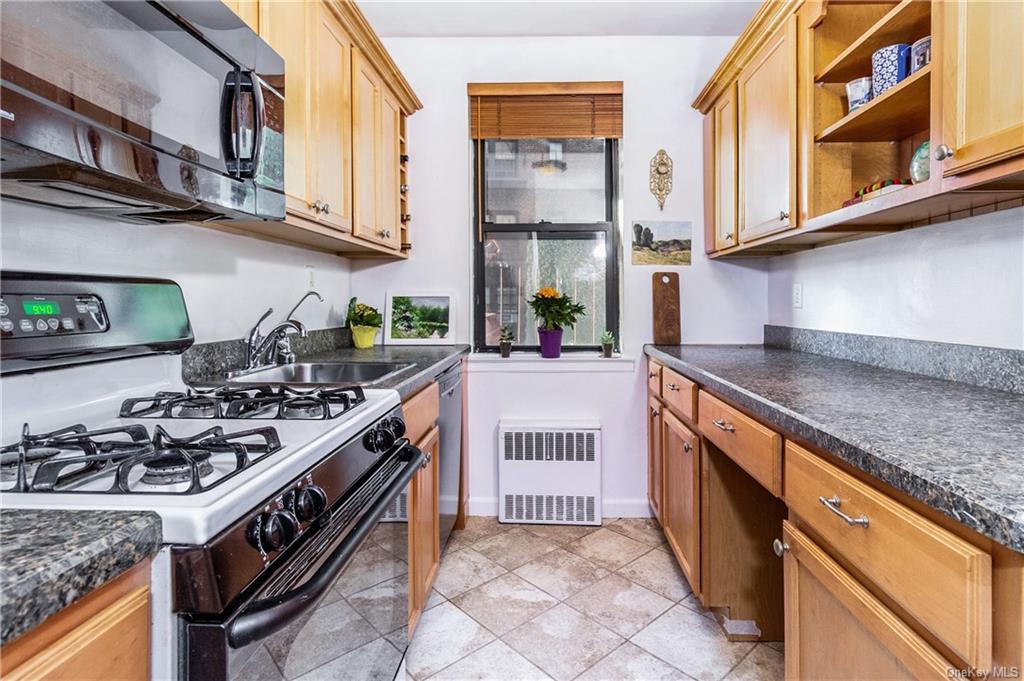 142 Garth Road 1V, Scarsdale, NY 10583
