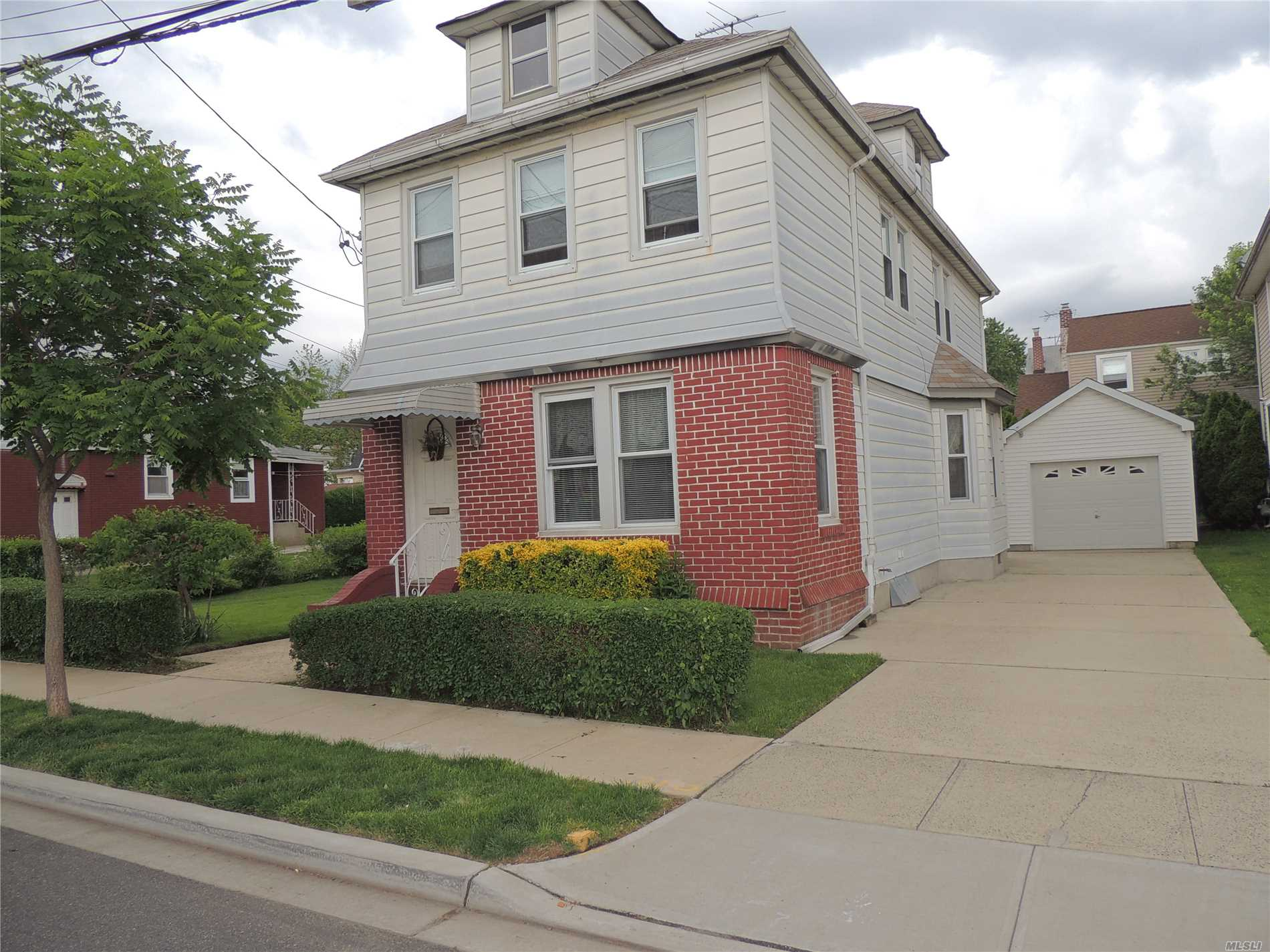 Property for sale at 105 Charles Street, Floral Park NY 11001, Floral Park,  New York 11001