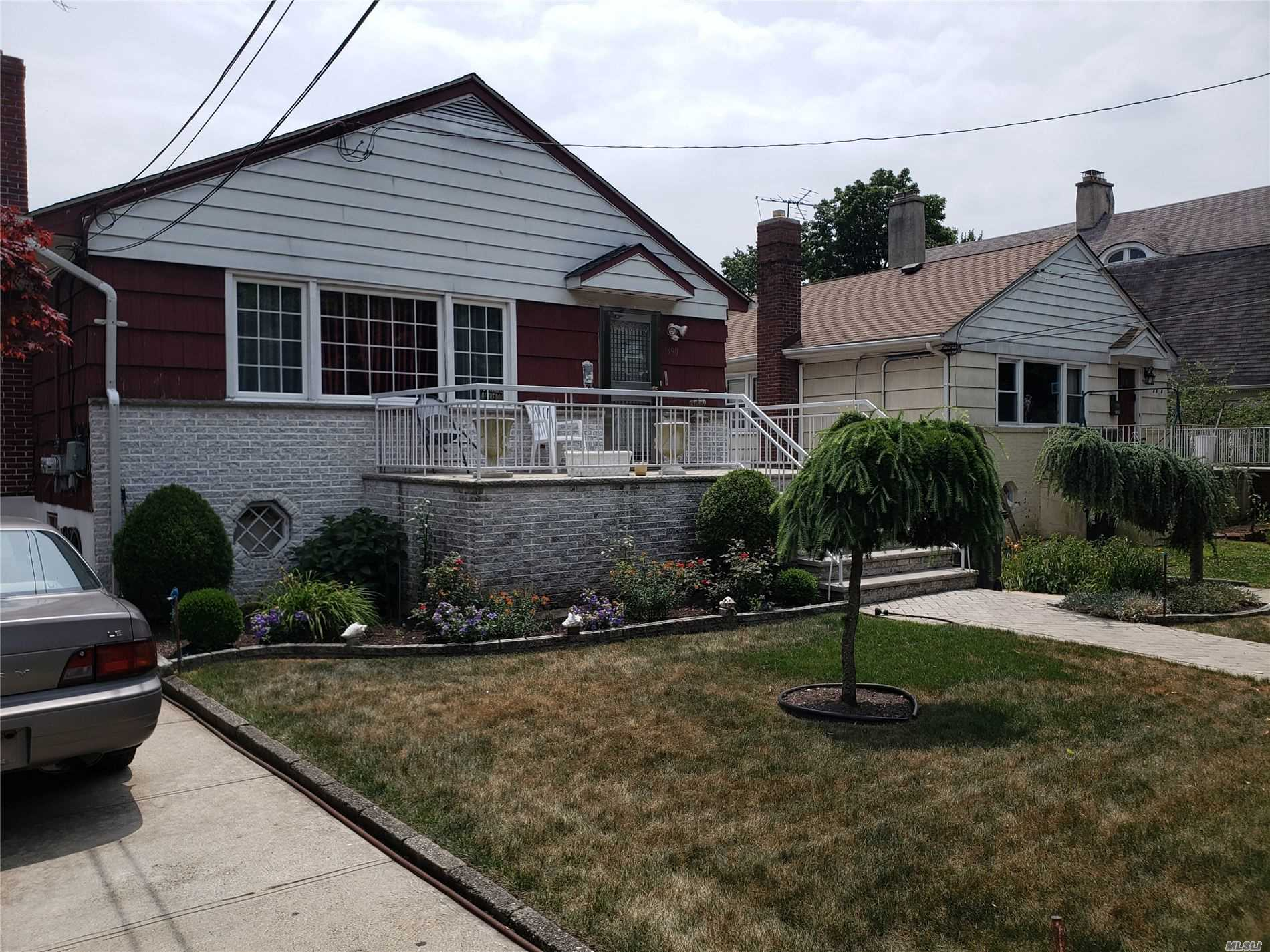 Property for sale at 1490 Point Breeze Pl, Far Rockaway,  New York 11691
