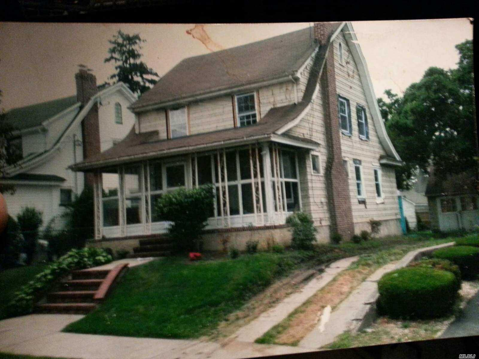 Property for sale at 190-12 103rd Ave, Hollis,  New York 11423