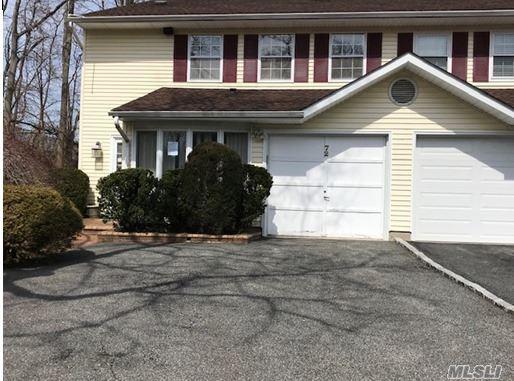 Property for sale at 72 W Aspen Drive, Woodbury NY 11797, Woodbury,  New York 11797