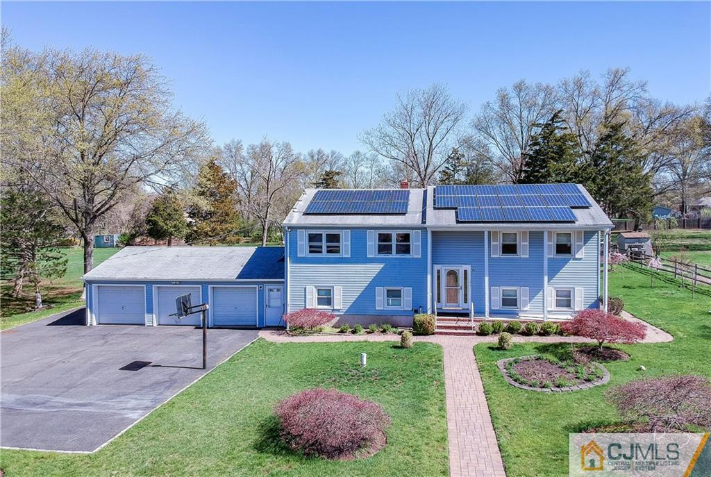 **PRICE REDUCED $40K**Maginficent 6 Bedroom Custom Home in Prime Private Rutgers Location*COLOSSAL Clean HOME on OVERSIZED Well Landscaped Park Like Property with Seperately Fenced Inground Pool!! Huge Sunroom*Multigeneration Friendly*1st Floor Private Entranc*3 Car Garage**Great Investment Opportunity**