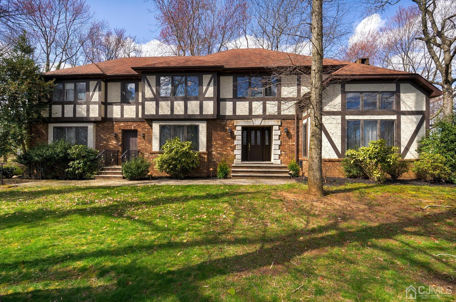 Property for sale at 1 PARK LAKE Drive, North Brunswick,  New Jersey 08902