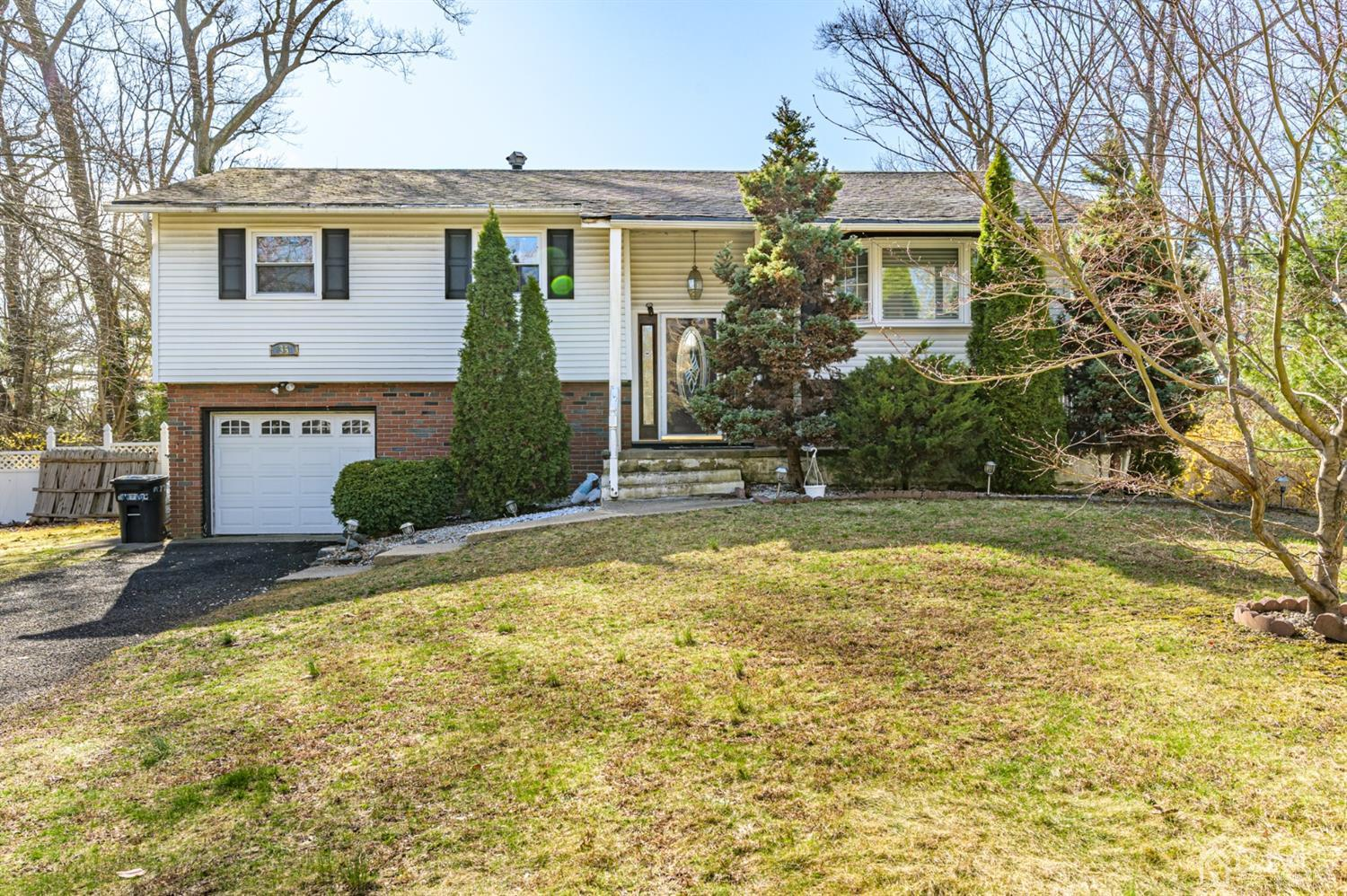 Property for sale at 35 HOLIDAY Road, Manalapan,  New Jersey 07726
