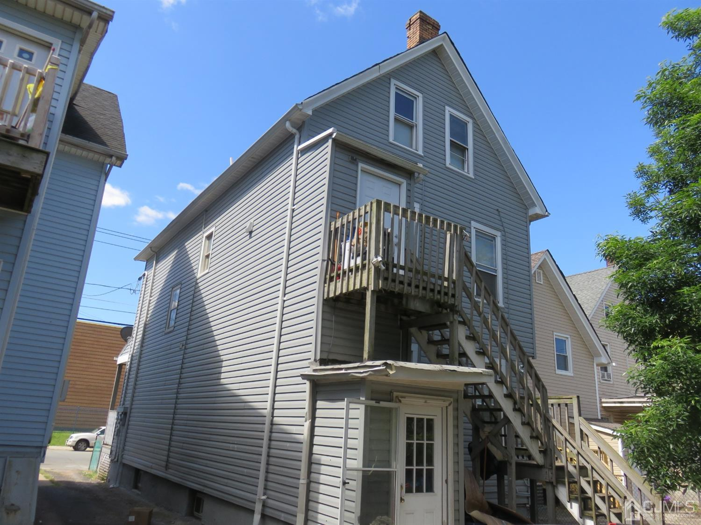 216 Lewis Street