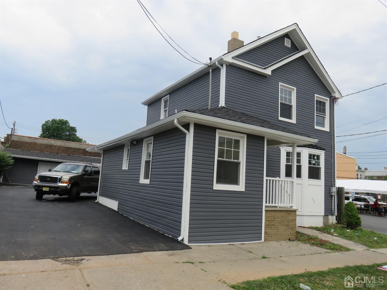 337 Oak Street