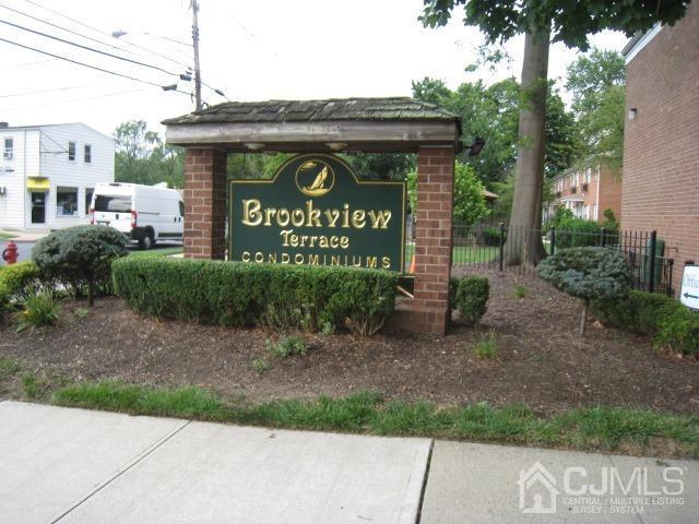 Chung cư / Căn hộ vì Bán tại Spotswood, New Jersey 08884 Hoa Kỳ