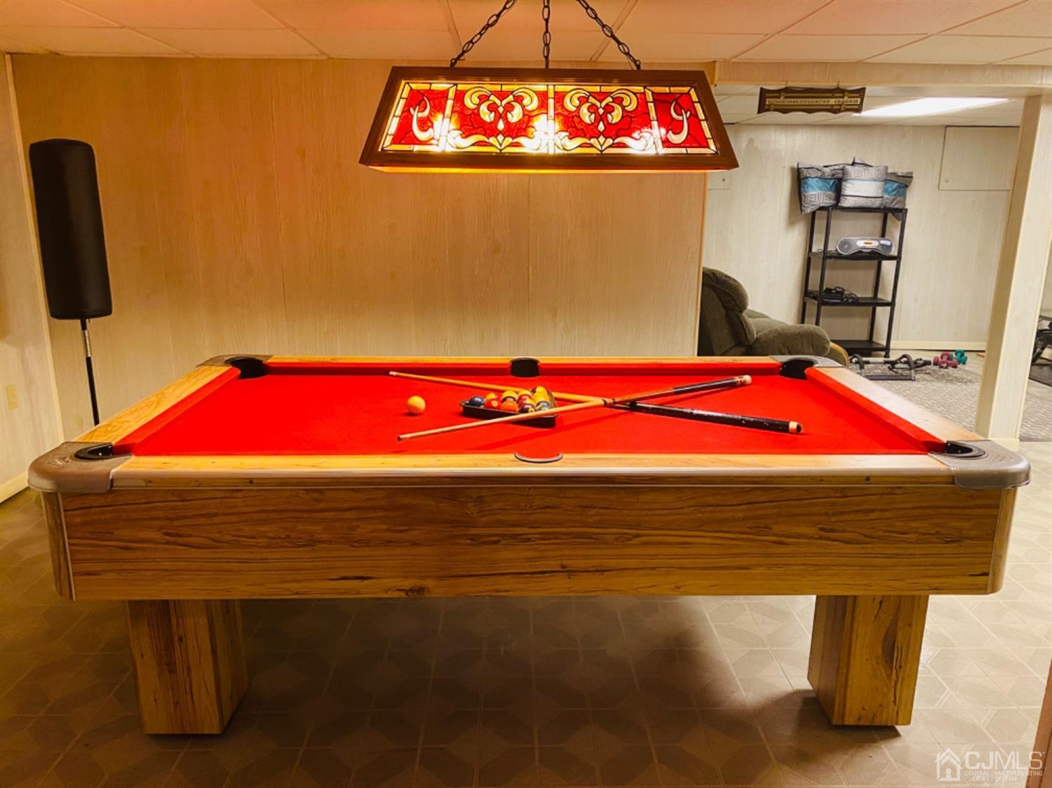 Finished Basement/Rec Area with Pool Table