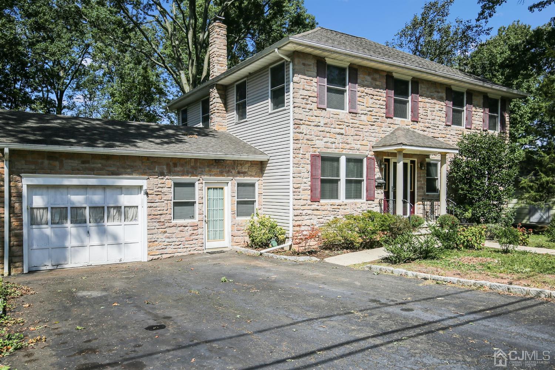 Single Family Homes por un Venta en Iselin, Nueva Jersey 08830 Estados Unidos